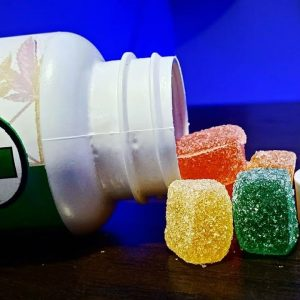 WHICH ONE IS BETTER ? DELTA 8 GUMMIES OR CBD GUMMIES 🤔 products from ( ATL RX )